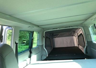 CMC Nederland - Slaaphefdak Multivan en Volkswagen Transporter 5 / 6 - Slaaphefdak open buiten binnenkant