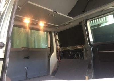 CMC Nederland - Slaaphefdak Multivan en Volkswagen Transporter 5 / 6 - Grijze van ombouwen 2