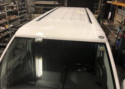 CMC Nederland - Slaaphefdak op maat gemaakt - Witte Amerikaanse wagen bovenkant