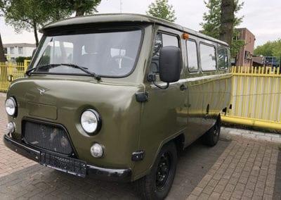 CMC Nederland - Slaaphefdak universeel - Diverse auto's buiten