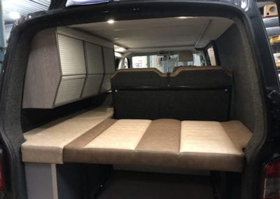 CMC Nederland - Slaaphefdak Multivan en Volkswagen Transporter 5 / 6 - Binnenkant donkerblauwe van
