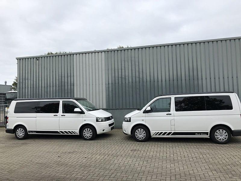 CMC Nederland - Multivan en Volkswagen transporter - Twee wagens tegenover elkaar