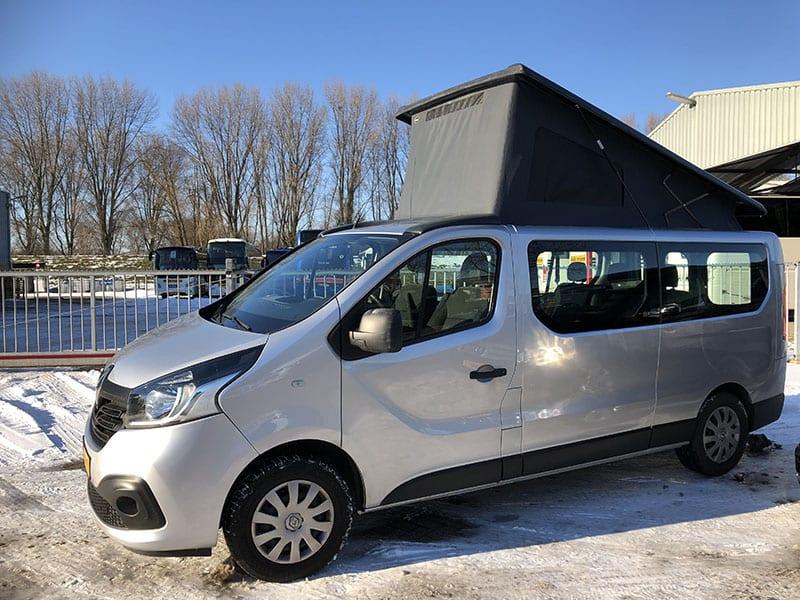 CMC Nederland - Slaaphefdak Renault Trafic - Grijs voorkant